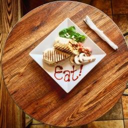 Breuk Iversen, Steinway, Cafe Via Espresso